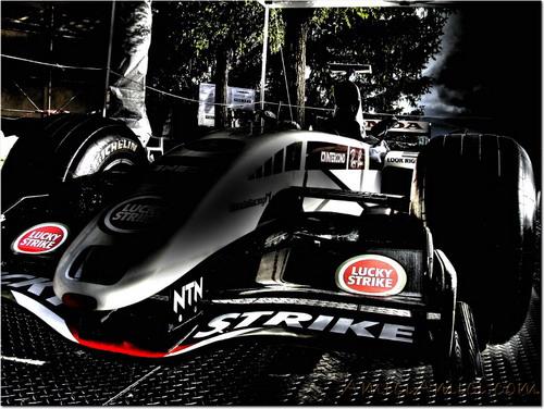 F1 in piazzetta a Compiano (PR)