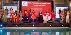 i costumi nazionali sul palco